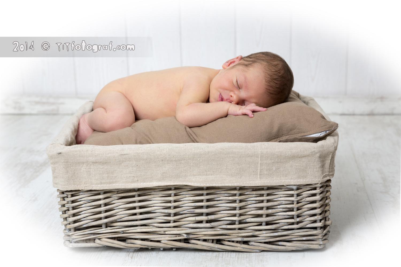 un bebe que es diu Cesc